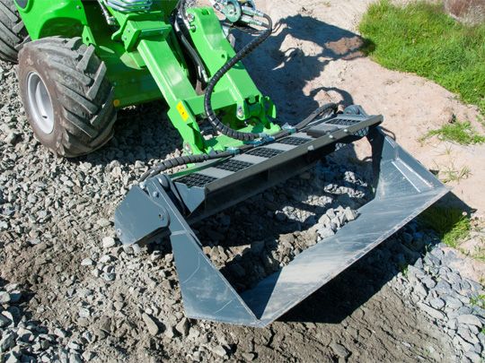 Avant® front loaders - 4 in 1 multi purpose bucket UK Avant sales