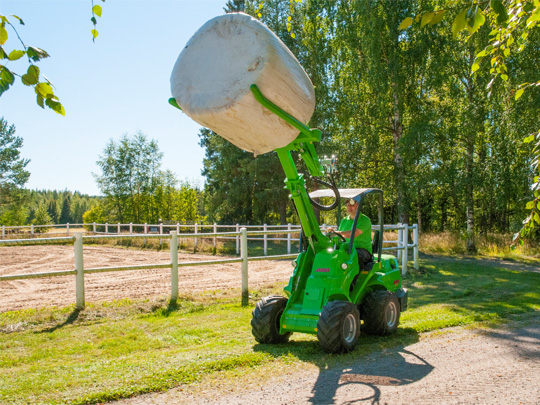 Avant® front loaders - bale handler UK Avant sales