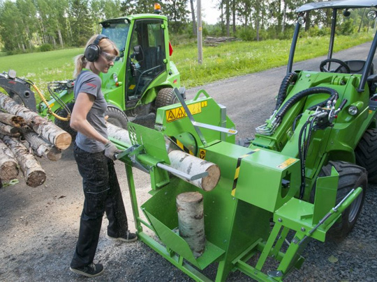 Avant® front loaders - firewood machine UK Avant sales