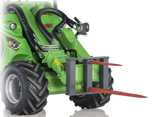 Avant® front loaders - round bale fork UK Avant sales