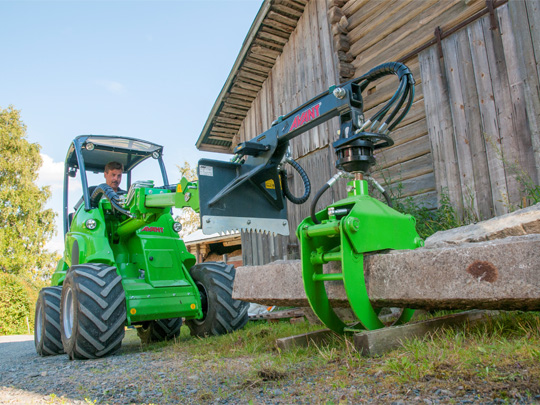 Avant® front loaders - timber grab UK Avant sales